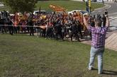 Manifestantes de ultraderecha protestan el pasado sábado frente a la...