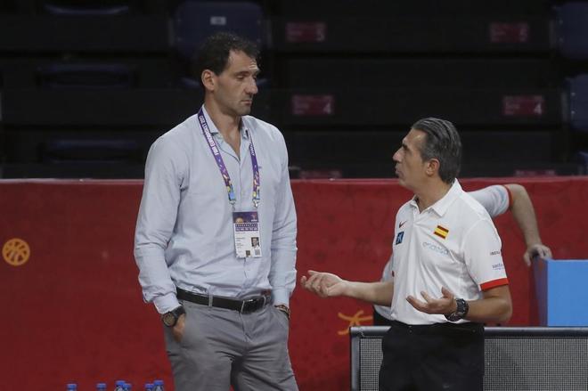 Jorge Garbajosa y Sergio Scariolo, durante un entrenamiento en Estambul.