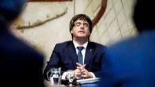 El presidente de la Generalitat, Carles Puigdemont, ayer en una...