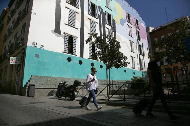 Lavapi s contra los pisos tur sticos madrid home el mundo for Pisos turisticos madrid