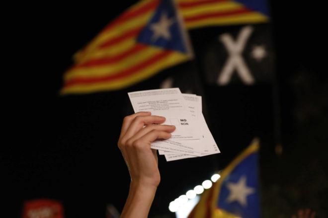 Banco de España reconoce que la tensión en Cataluña puede afectar al crecimiento económico y al consumo