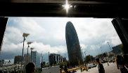 TORRE AGBAR. Símbolo de Barcelona, marca el camino hacia los barrios...
