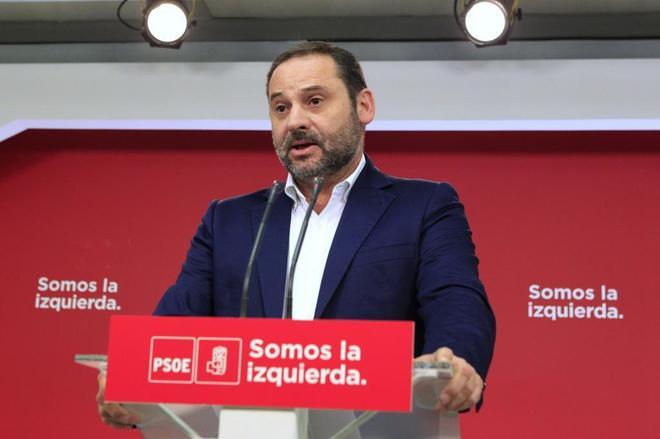 José Luis Ábalos, secretario de Organización del PSOE, durante la declaración ofrecida en Ferraz.