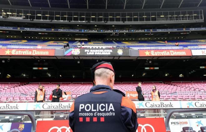 Referéndum Cataluña 1-O  Oficial  El Barcelona da marcha atrás y jugará a  puerta cerrada ante la UD Las Palmas  c219b70a317