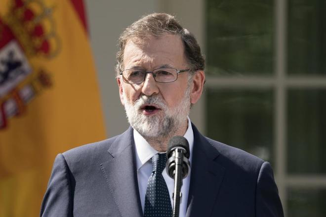 """Rajoy convoca a todos los partidos para """"reflexionar sobre el futuro"""" tras el 1-O"""