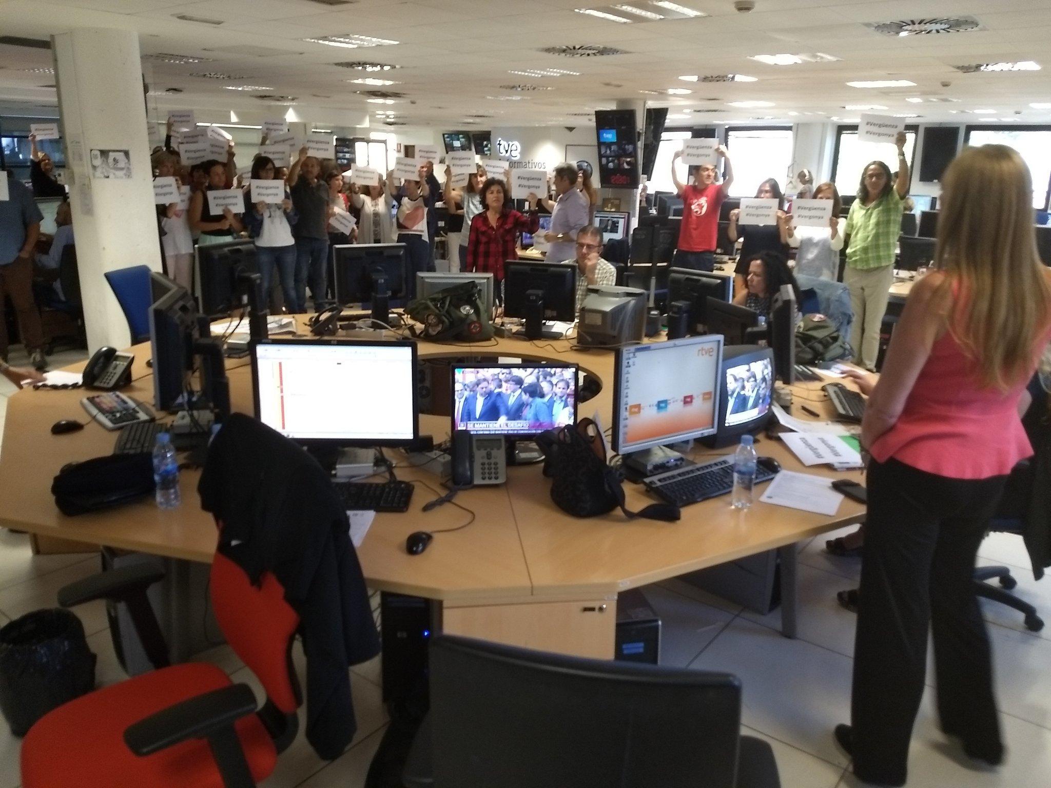 Los trabajadores de TVE denuncian la cobertura del 1-O mientras TV3 ...
