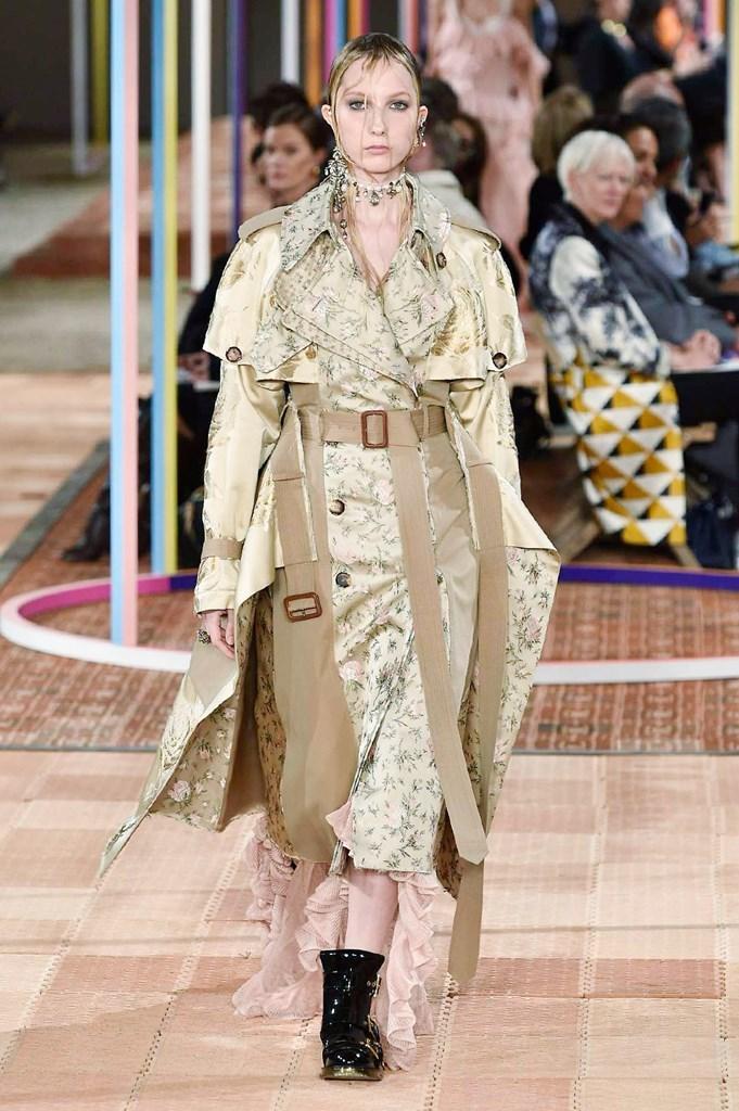 Alexander McQueen - Primavera-verano 2018 - Paris Fashion Week