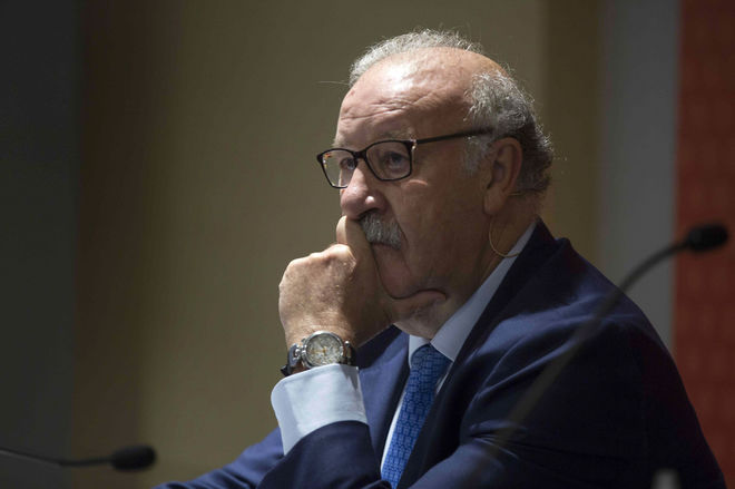 El ex seleccionador nacional, Vicente del Bosque, en el acto de Dato Económico.