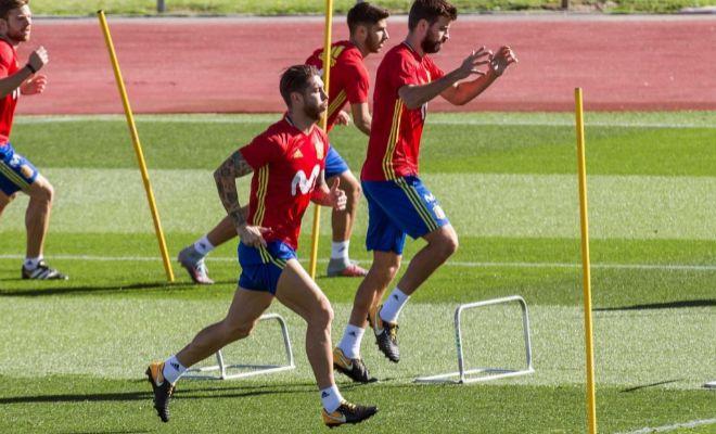 Ramos y Piqué, el martes por la mañana, durante el entrenamiento de la selección.