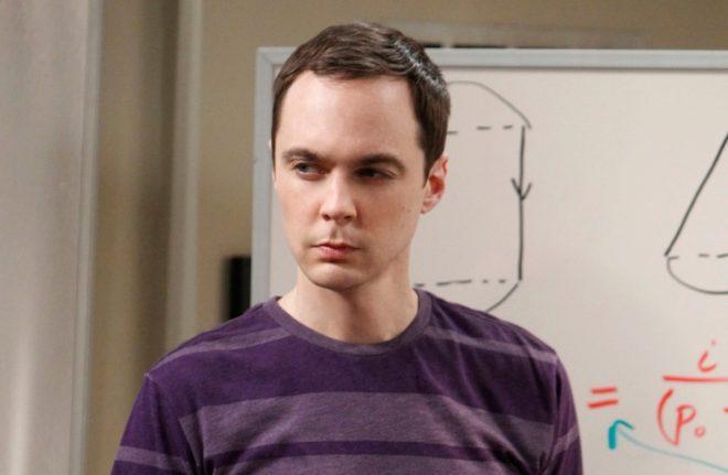 Jim Parsons, que interpreta a Sheldon Cooper, en 'The Big Bang Theory'.