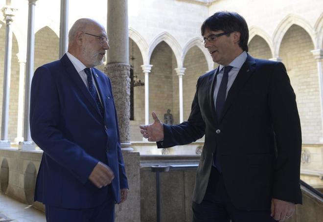 José Manuel Maza y Carles Puigdemont en un encuentro el pasado año...