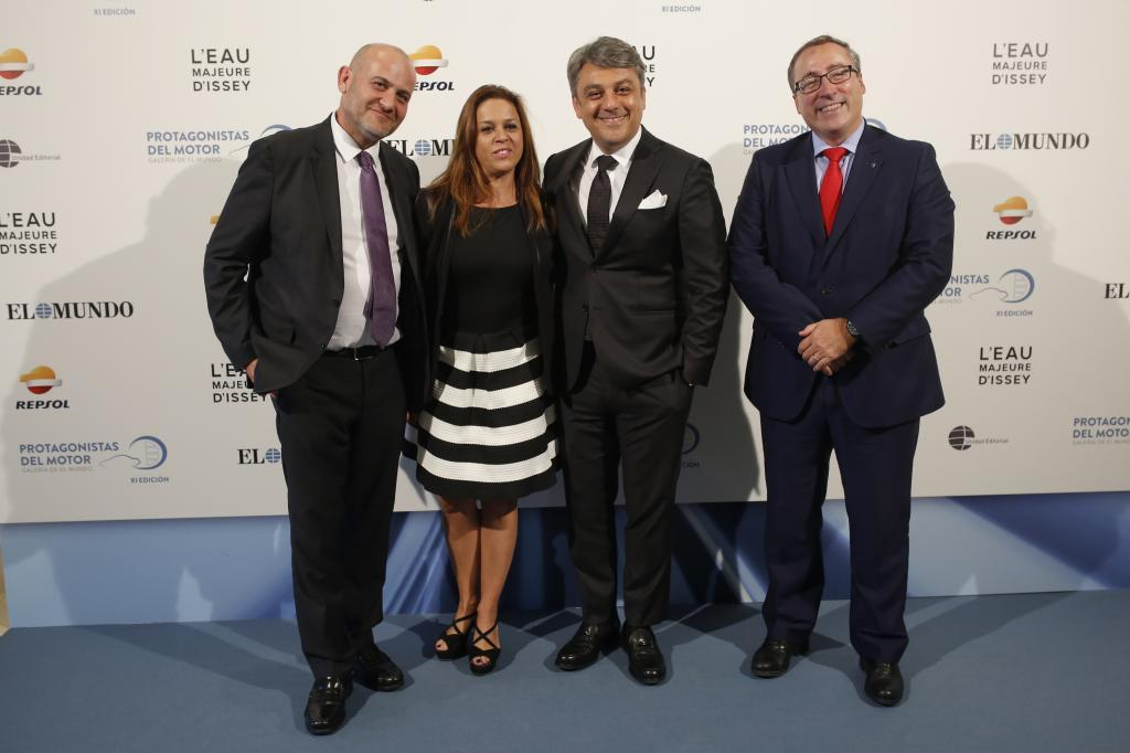 El presidente de Seat, Luca De Meo (segundo por la derecha), con sus colaboradores Christian Stein, Cristina Vall-Llosada y Mikel Palomera .