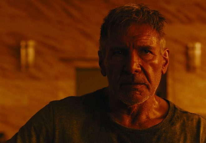 El actor Harrison Ford repite como agente Deckard, uno de los...
