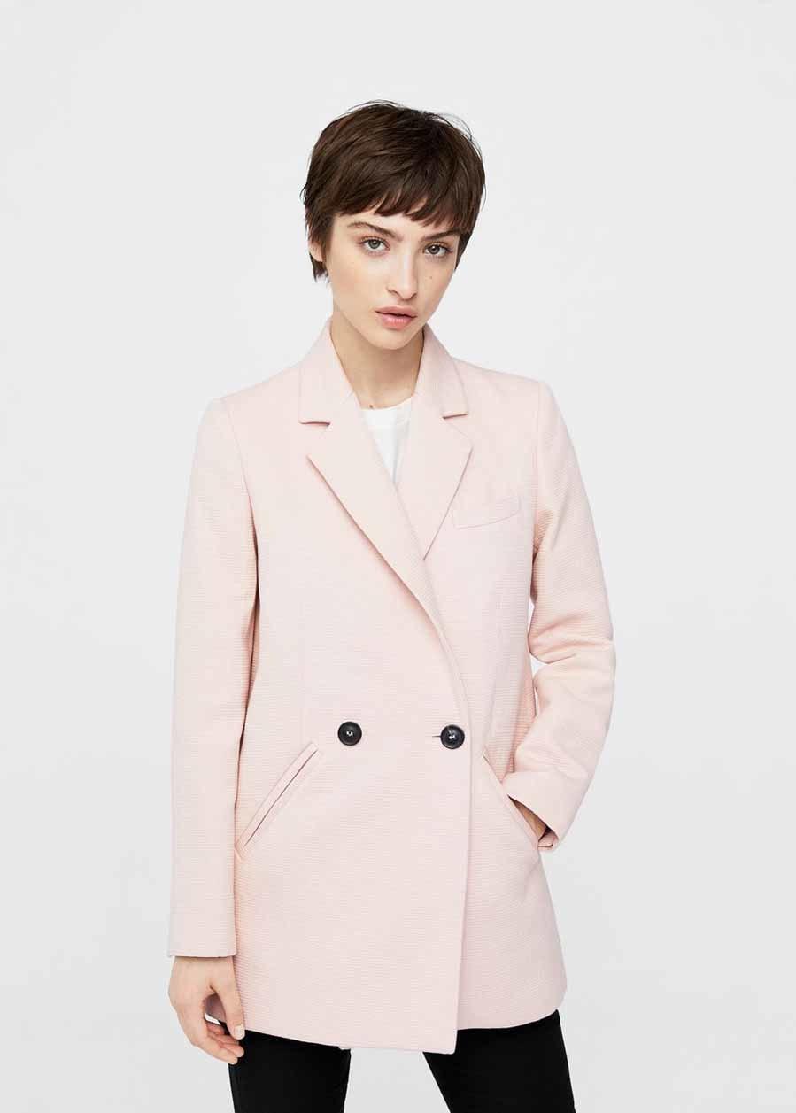 Resalta tu feminidad con este abrigo de corte masculino (antes 69,99...