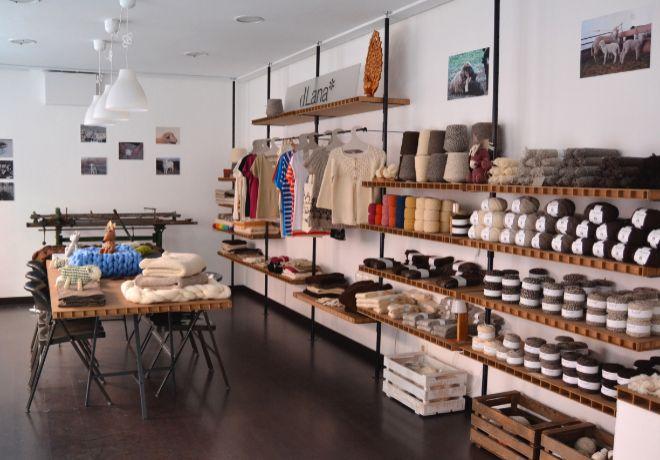 Interior de la tienda Dlana.