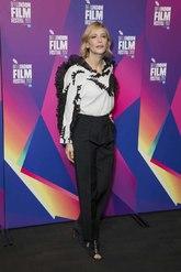 Un 'look' elegante y muy chic con el que Blanchett acaparó todas las...