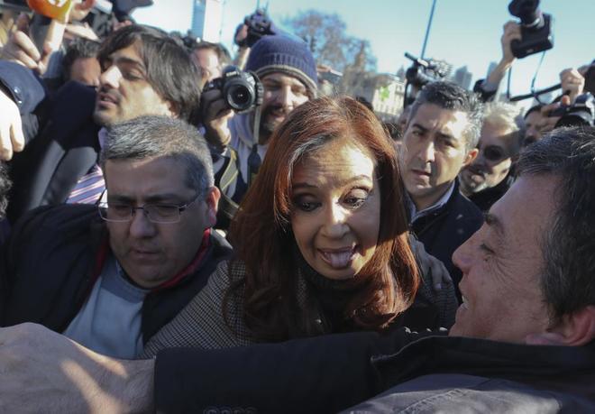 La ex presidenta argentina Cristina Fernández de Kirchner, durante su llegada a un tribunal en Buenos Aires.