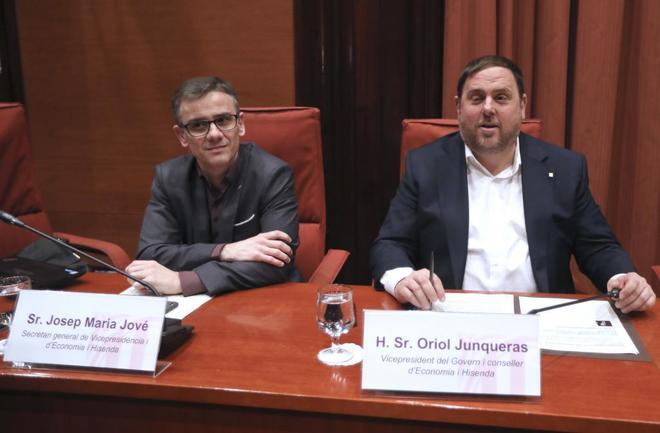 Josep Maria Jové y Oriol Junqueras, en el Parlament el pasado...