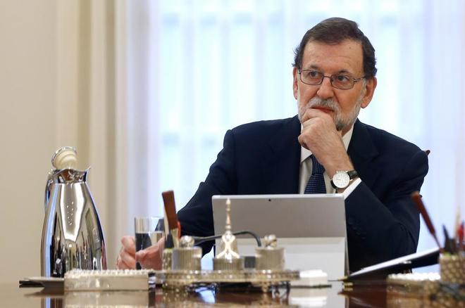 Mariano Rajoy activa el 155 y pide a Puigdemont que aclare si ha declarado la independencia