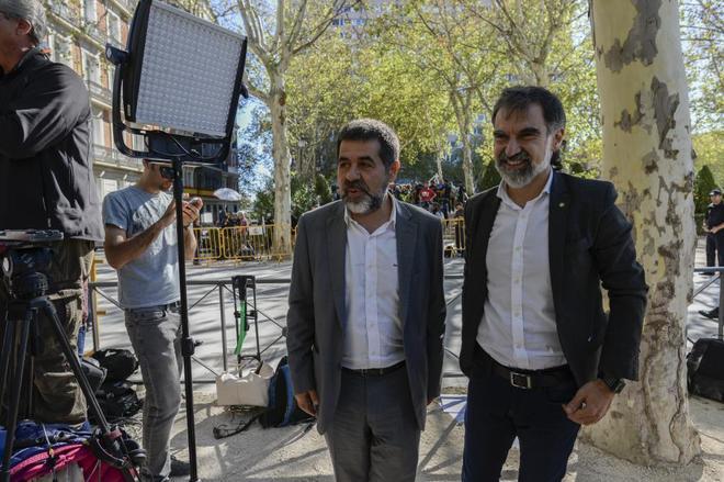Jordi Sànchez (izqda.) y Jordi Cuixart, el pasado día 6 en la...