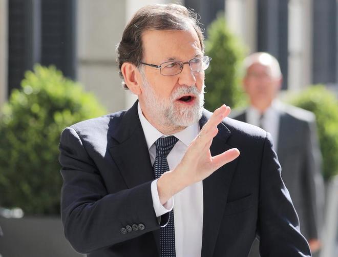 Mariano Rajoy, a su llegada esta tarde al Congreso de los Diputados.