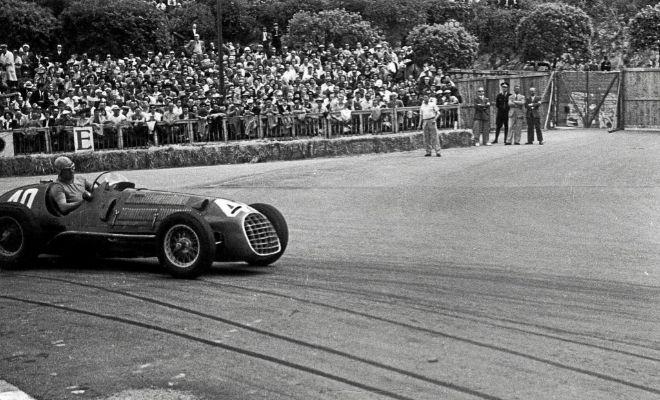 Ascari, con el Ferrari 125 en Mónaco, en el primer gran premio disputado por la marca, en 1950.