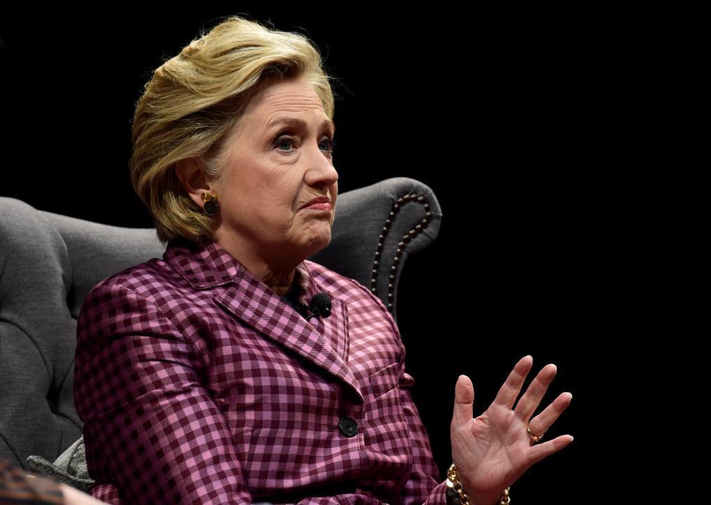 Hillary Clinton responde a