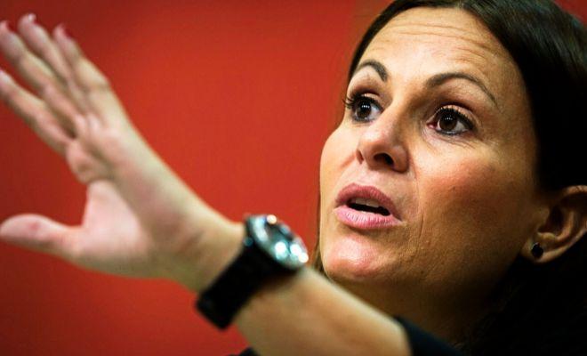 La portavoz de Educación del grupo 'popular' en Las Cortes, Beatriz Gascó, en una comparecencia pública.