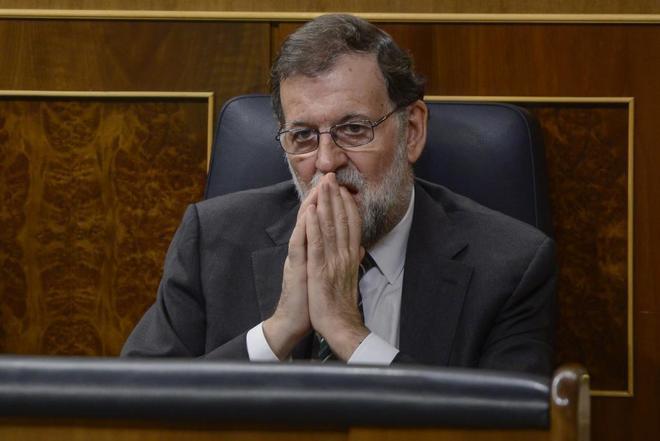El presidente del Gobierno, Mariano Rajoy, en la Sesión de Control al...
