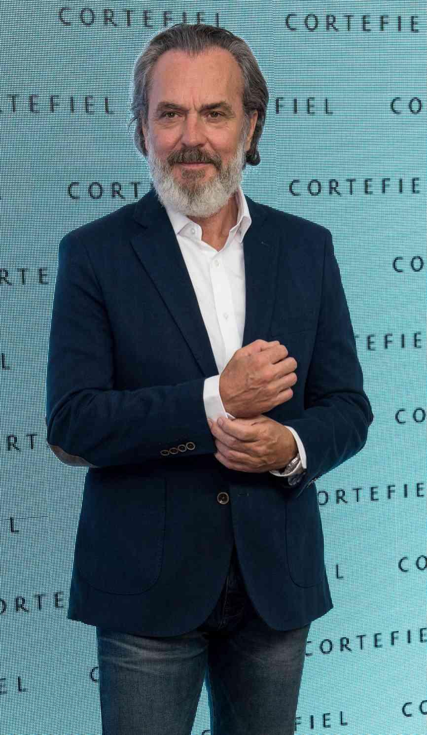 José Coronado (60) ha acudido junto a Eva González (36) a la...