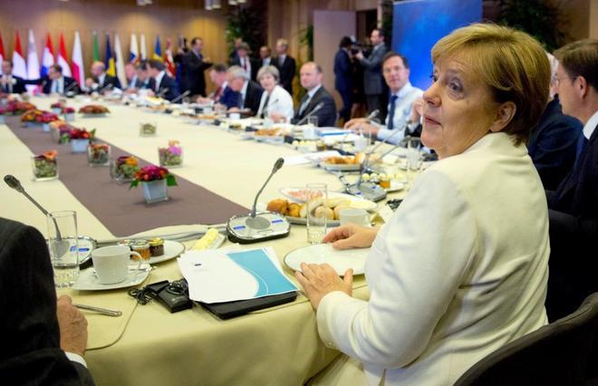 Merkel, la única líder europea que sacó el tema de Cataluña en la cumbre