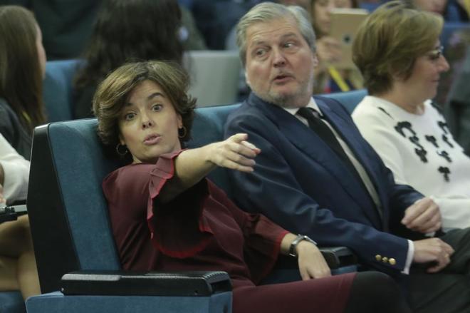 Soraya Sáenz de Santamaría, Íñigo Méndez de Vigo y Carmen...