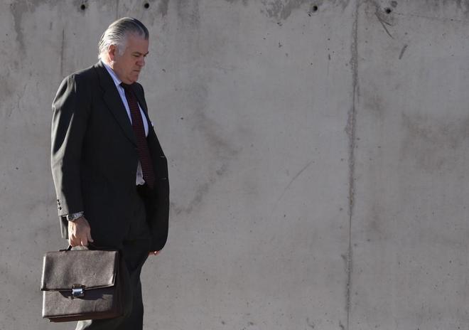 Luis Bárcenas, a su llegada ayer a la Audiencia Nacional.