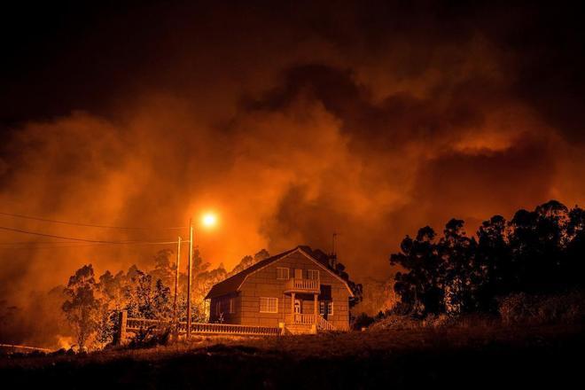 Uno de los incendio que sufrió Galicai, en Nigrán, Pontevedra.