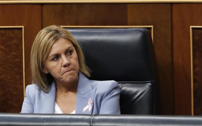 La ministra de Defensa, María Dolores de Cospedal, en el pleno del...