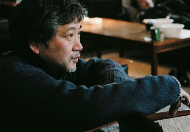 A sus 55 años el director nipón cambia de estilo con una historia...