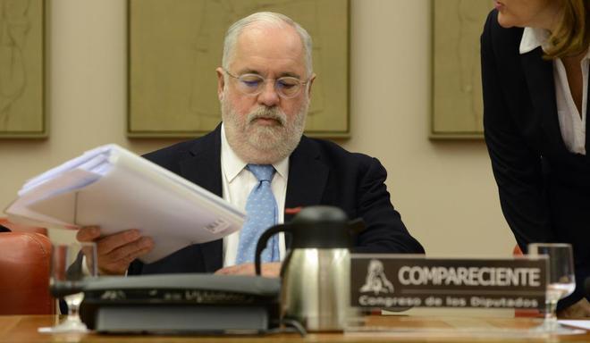 Miguel Arias Cañete compareciendo ante la Comisión Mixta del...