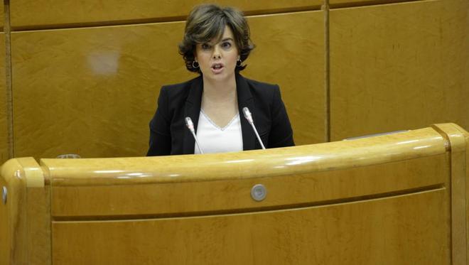 Soraya Sáenz de Santamaría, ayer, compareciendo en el Senado.