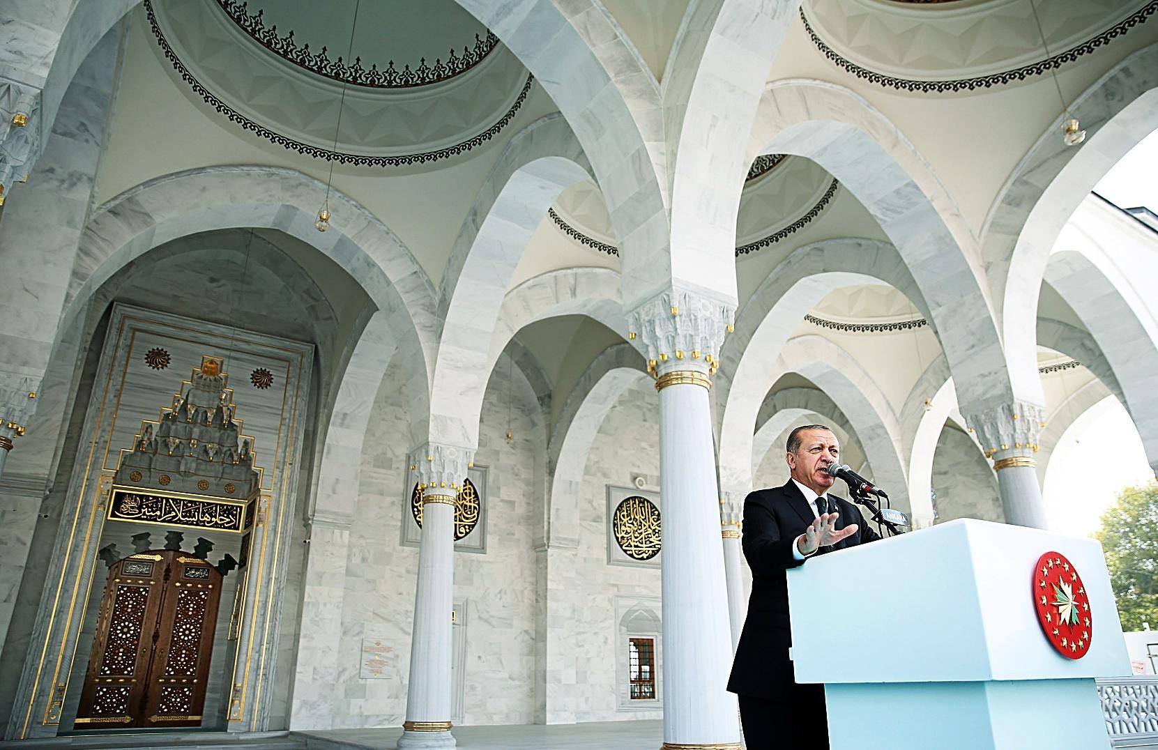 El presidente turco Tayyip Erdogan durante la inauguración de una mezquita en Ankara.