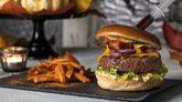 Tommy Mel's opta por una burger muy estrambótica con una jeringa de...