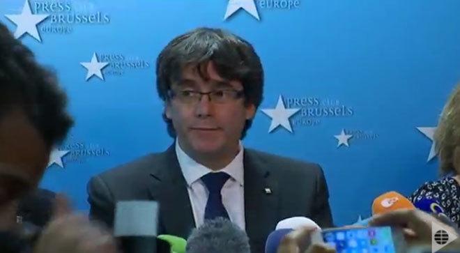 Puigdemont durante la rueda de prensa.