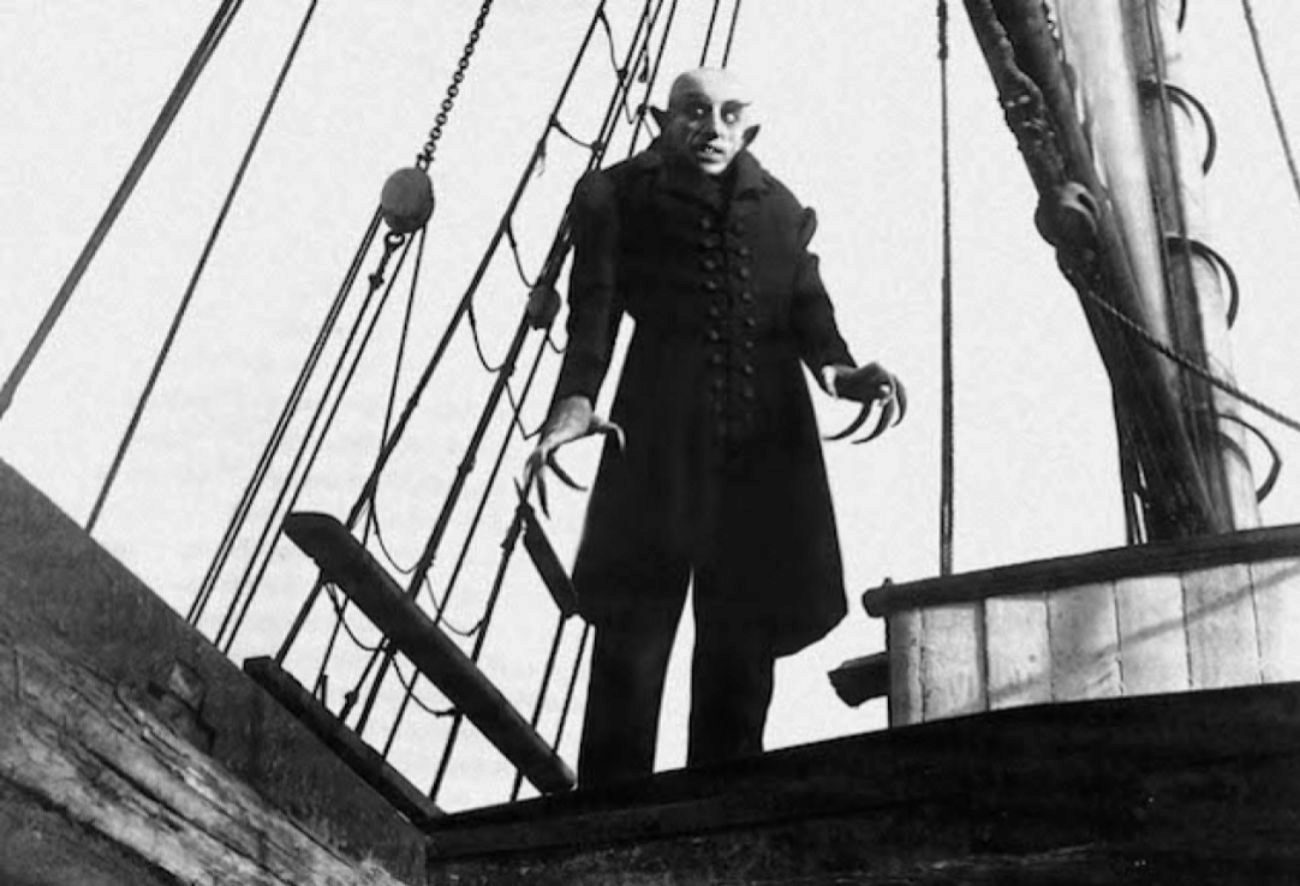 Obra maestra del cine mudo y primera adaptación al cine de la novela...