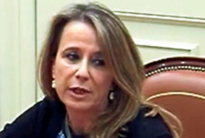 Carmen Lamela.