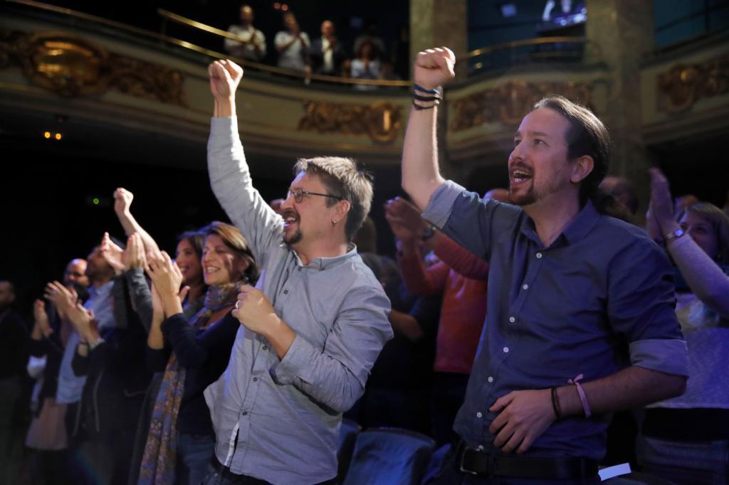 Xavier Domènech y Pablo Iglesias, en un acto de Podemos celebrado en...