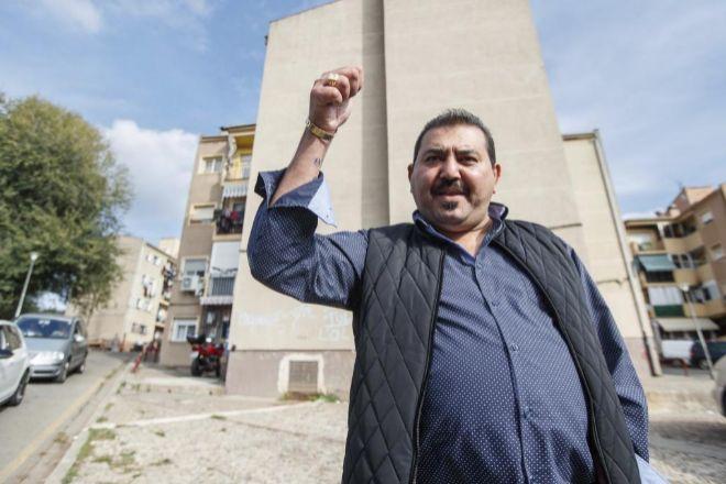 El Tío Antón, un hombre tan respetado en el barrio que muchos lo...