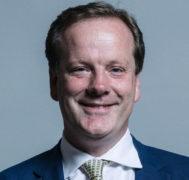 """El diputado conservador británico Charlie Elphicke, suspendido por """"graves acusaciones"""" de acoso sexual"""
