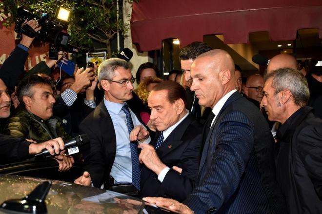 Silvio Berlusconi, en Catania, para apoyar al candidato Forza Italia a la presidencia de Sicilia.