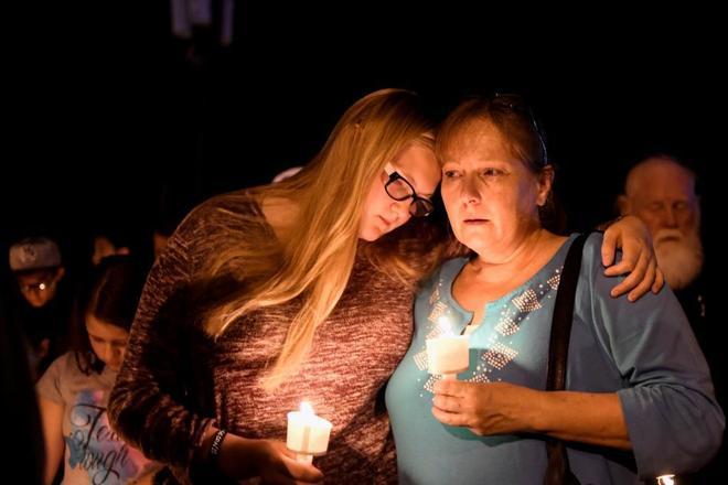 Vigilia en memoria de las víctimas de Texas.