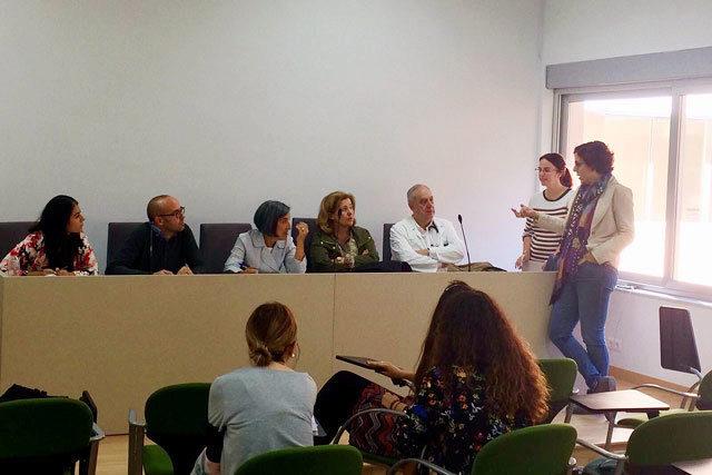 Un momento de la presentación del proyecto de salud global a los alumnos de la UMA