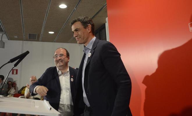 Miquel Iceta y Pedro Sánchez, en un acto en Barcelona el pasado...